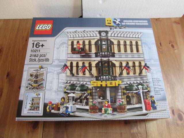 Lego 10211 p1