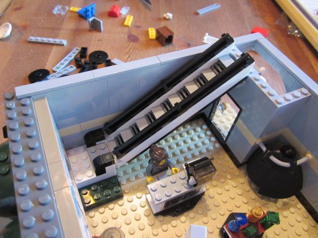 Lego 10211 p13