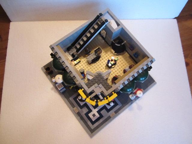 Lego 10211 p17