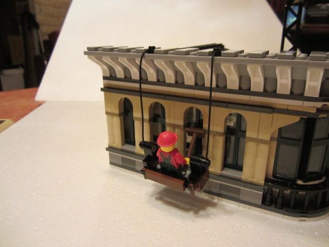 Lego 10211 p36