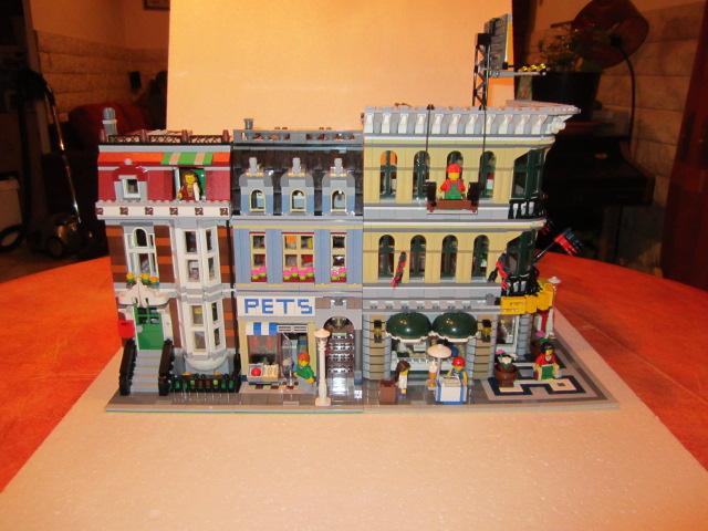 Lego 10211 p43