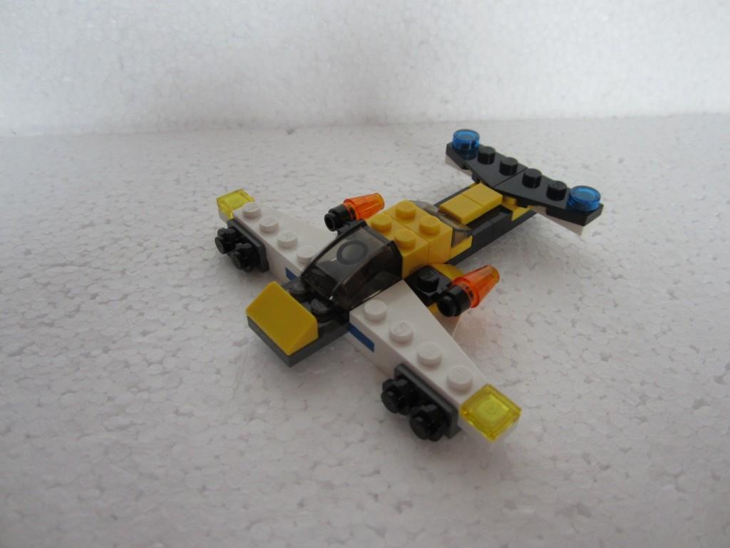 Lego creator 31001 p16