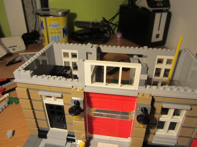 Lego 10197 p16