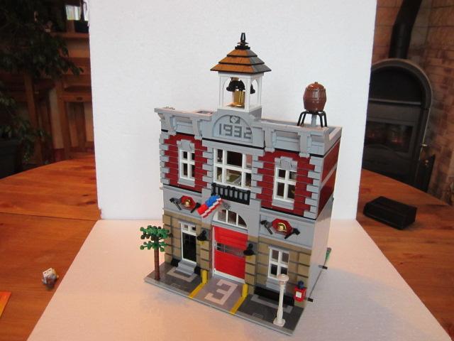 Lego 10197 part2 p24