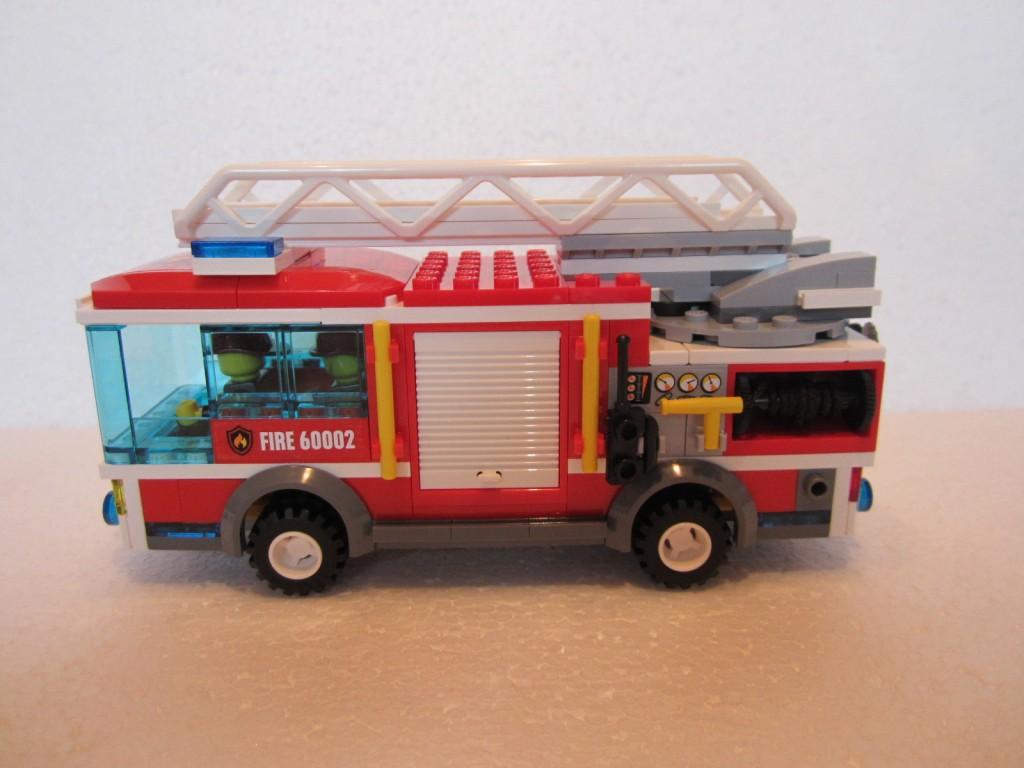 Lego city 60002 p11