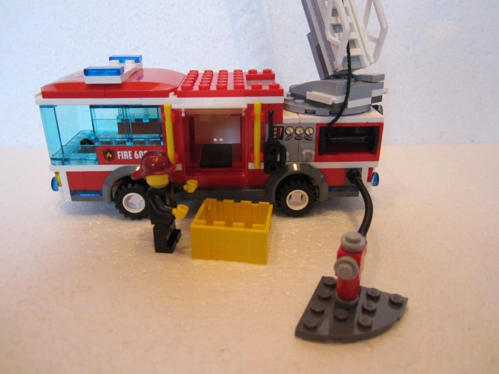 Lego city 60002 p13