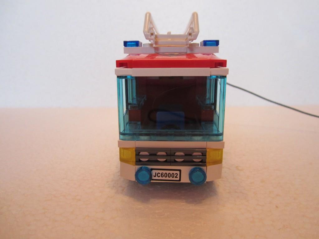Lego city 60002 p15