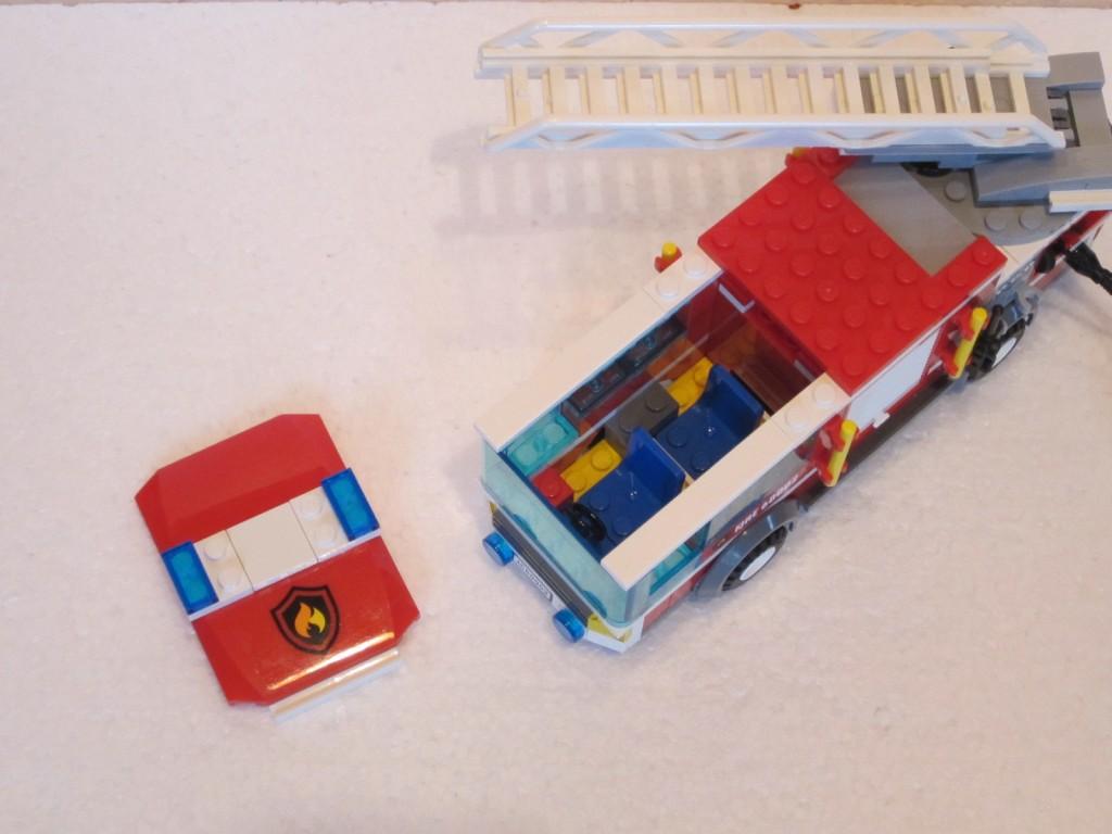 Lego city 60002 p17