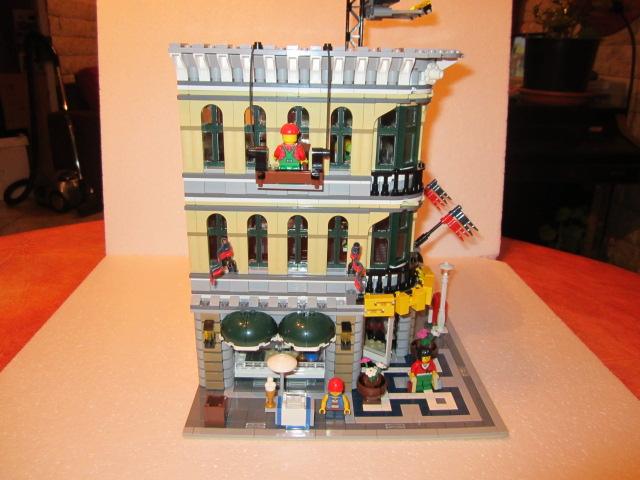 Lego 10211 p39