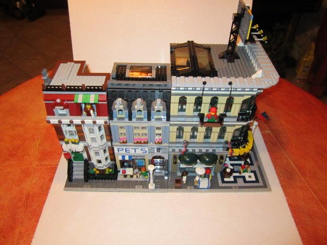 Lego 10211 p44