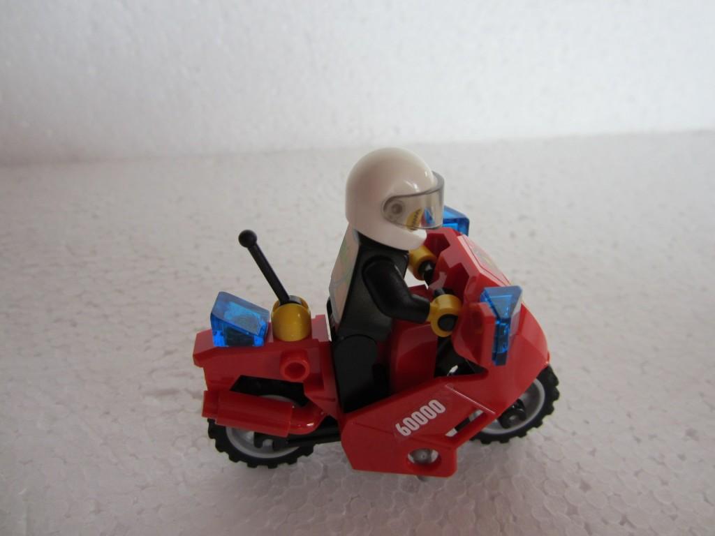 Lego city 60000 p12