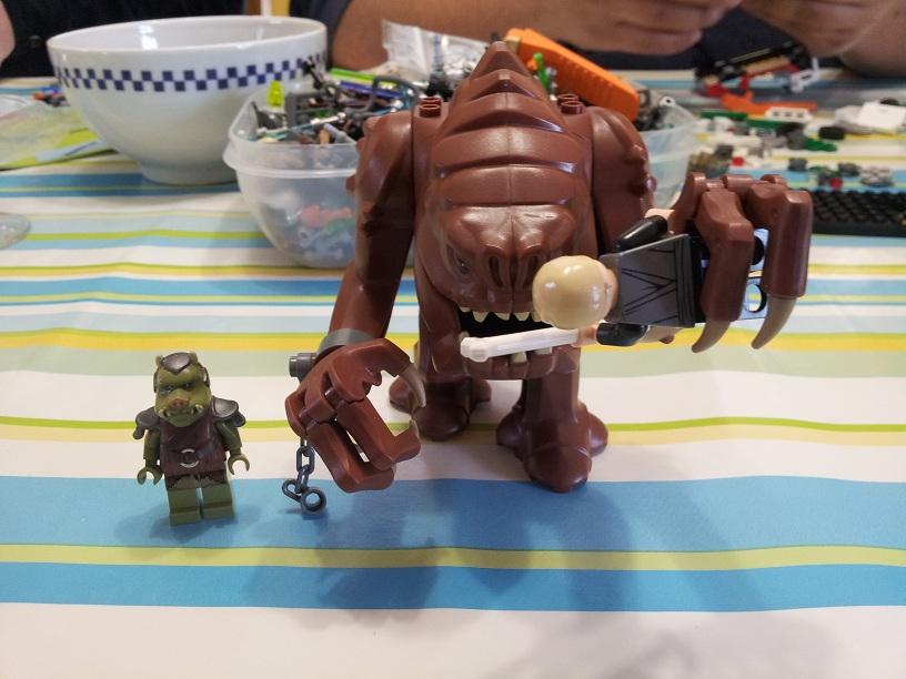 Lego Star Wars 75005 p2