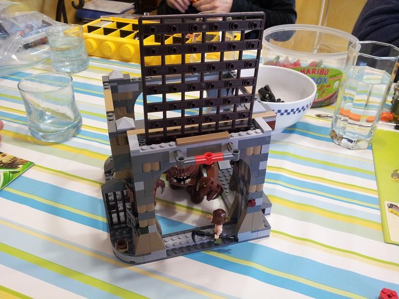 Lego Star Wars 75005 p8