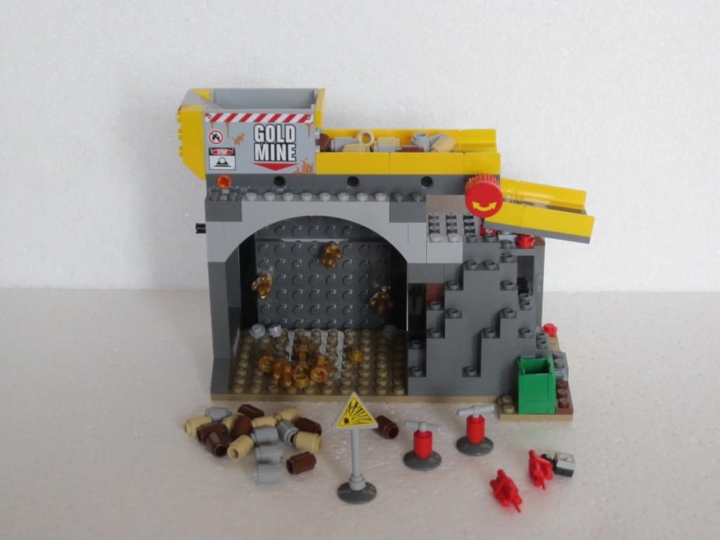 Lego city 4204 p18