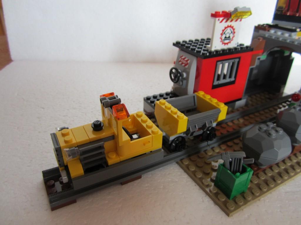 Lego city 4204 p23