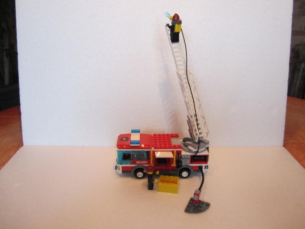 Lego city 60002 p12