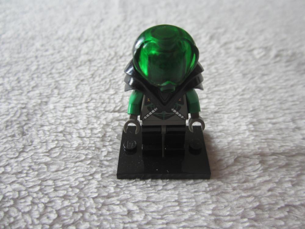 figurines lego insectoïde